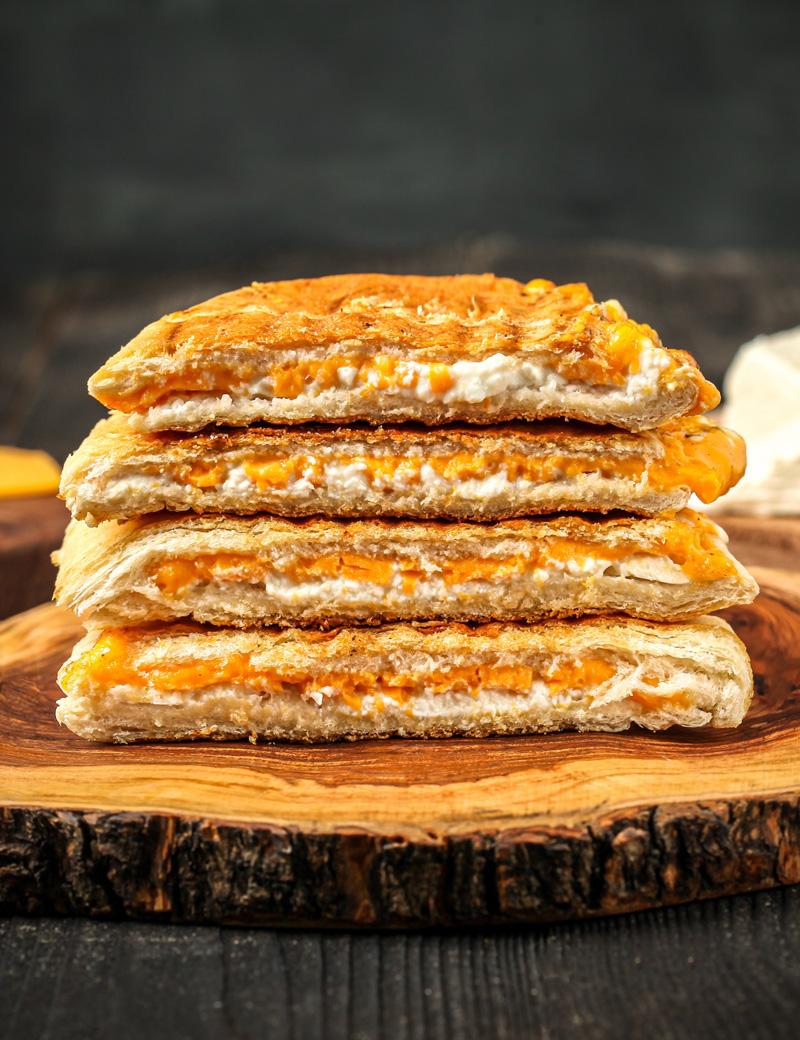 Cheddar Beyaz Peynirli